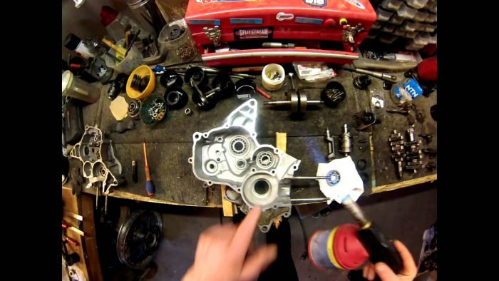Le moteur et la boîte de vitesses